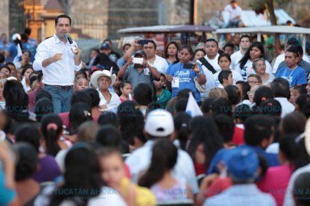 Vamos a generar las becas que se necesiten: Mauricio Vila