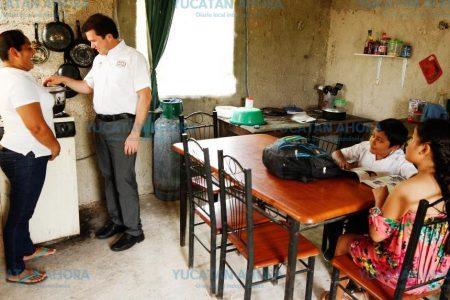Mauricio Sahuí anuncia techo para mil 200 escuelas