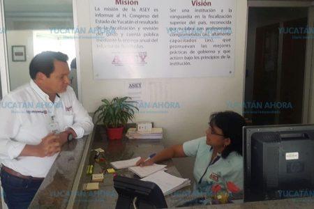 Documenta 'Huacho' Díaz sus acusaciones durante el debate