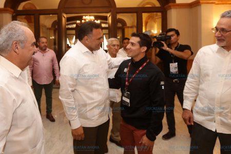 Motivador mensaje a representantes de México en Juegos Centroamericanos y del Caribe