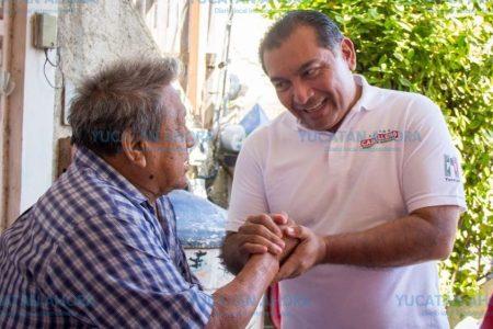 Víctor Caballero quiere volver microempresarios a los adultos mayores meridanos