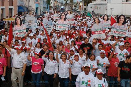 Mary Carmen Ordaz muestra el 'músculo' político por avenidas de Progreso