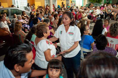 Piden a Carmen Ordaz mejora en alumbrado público y recolecta de basura