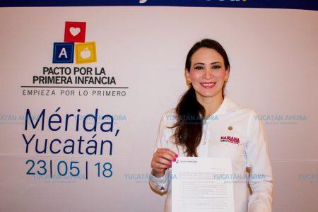 Mariana Cruz firma el Pacto por la Primera Infancia