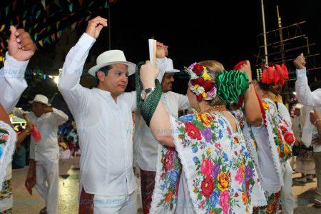 Más de 2 mil jaraneros disfrutan de la vaquería de Kanasín