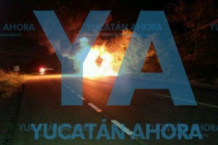 Se incendia autobús de la ruta Mérida-Izamal en la carretera a Cancún