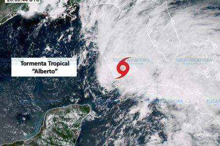 La tormenta 'Alberto' se aleja gradualmente de la Península de Yucatán