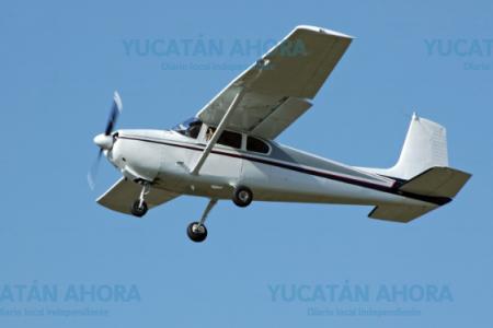 Aterrizaje forzoso en carretera limítrofe entre Yucatán y Quintana Roo