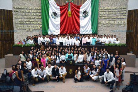 Futuros abogados conocen el génesis de las leyes en Yucatán