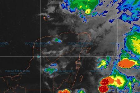 Autoridades de Yucatán vigilan zona de baja presión con potencial ciclónico