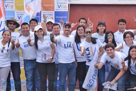 Jóvenes promueven propuesta de Elías Lixa