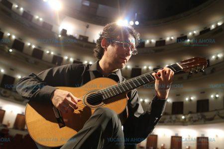 Anuncian concierto de Aranjuez con el galardonado guitarrista Pablo Garibay