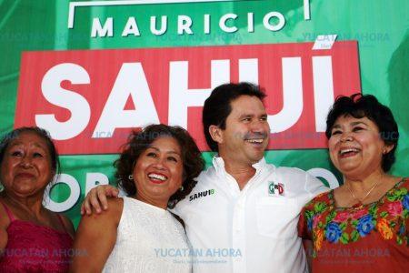 Sahuí propone plan para mejorar la educación: Escuela yucateca del Siglo XXI