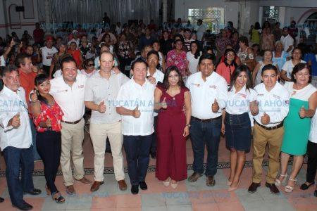 Huacho Díaz ofrece que será aliado de las mamás yucatecas