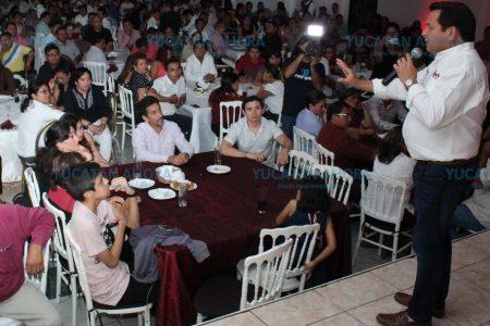 Trabajar por los jóvenes es trabajar por el futuro de Yucatán: Huacho Díaz