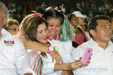Si trabajamos en equipo lograremos una Mérida mejor: Mary Tony Gasque