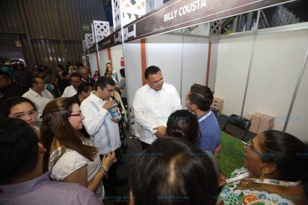 Jóvenes yucatecos llegan a nuevos mercados con su línea de calzado