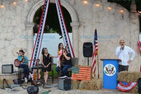 Celebran la Independencia de los Estados Unidos en la despedida del Cónsul