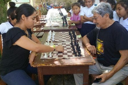 Examen de ajedrez y convivencia familiar
