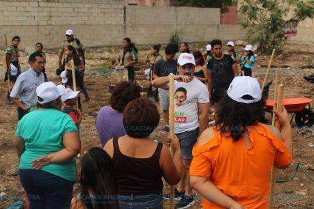 Efraín Aguilar quiere que el lll distrito se llene de árboles