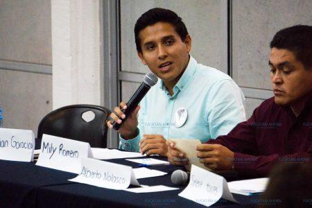 Solo Adrián Gorocica y el candidato de Morena acuden a debate en la Universidad Marista