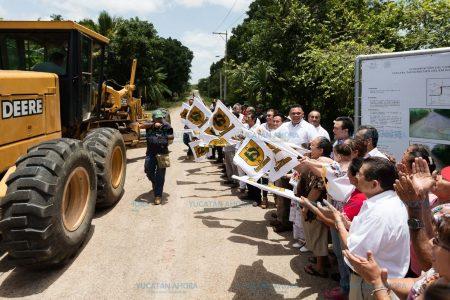 Rehabilitan y construyen carreteras de conexión con Yaxcabá
