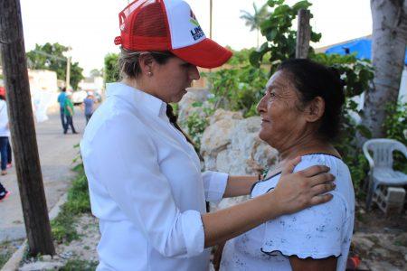 Van a tener a la primera mujer diputada, asegura Linett Escoffié en la Jesús Carranza