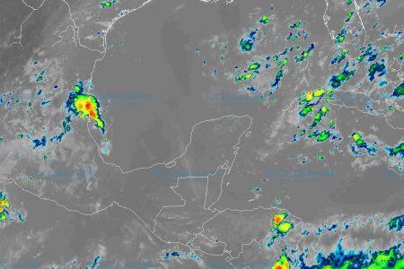 Dos ondas tropicales dejarán lluvias por las tardes