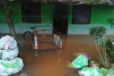 Bajo control la situación en Alfonso Caso tras deslave de cerro e inundaciones