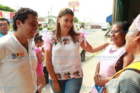 Soy una mujer que ha trabajado mucho por ustedes las mujeres: Cecilia Patrón