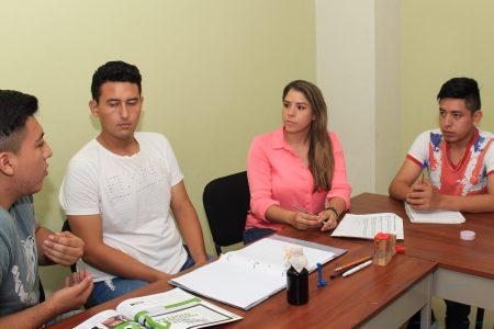 Linett Escoffié se dice aliada de jóvenes emprendedores