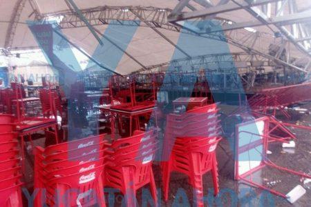 'Minihuracán' desploma toldo en el Gran Asadero Fest