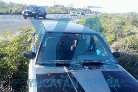 Inicia mal su domingo: dormita en la carretera Mérida-Progreso