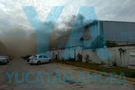 Incendio deja daños de miles de pesos en bodega de la Ciudad Industrial