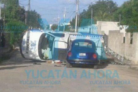 Pequeño VW manda a volar a una camioneta en la Leandro Valle