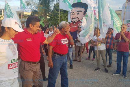 Ustedes tienen en sus manos el poder del cambio, dice Efraín Aguilar a vecinos de Ciudad Caucel