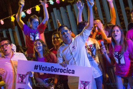 Con música y un festival cierra campaña candidato independiente