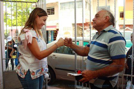 Entre mujeres debemos apoyarnos, le dicen a Cecilia Patrón en el fraccionamiento Zazil Ha