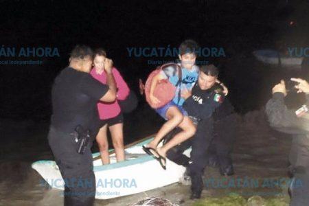 Del susto a la pesadilla: Quedan varados en la ría de Progreso al bajar la marea