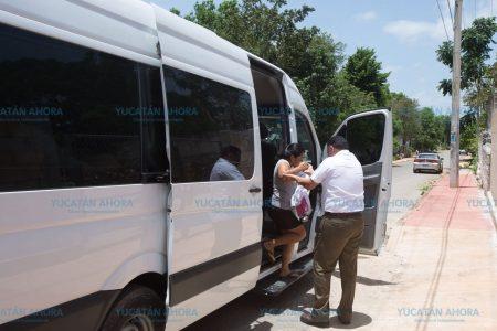 El Gobernador soprende a mujer campesina del oriente de Yucatán