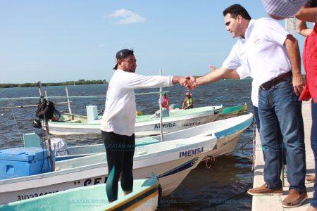 Jesús Vidal hace compromisos con hombres del mar