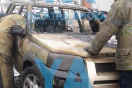 Se le quema su camioneta en el centro de Mérida