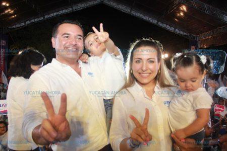 Dinamizaremos el desarrollo de Mérida, ofrece Renán Barrera al cerrar campaña