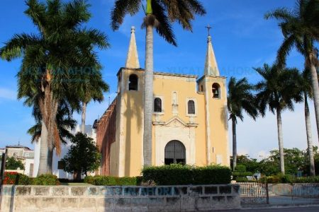 En medio de denuncias, se va el párroco de la iglesia de Santa Ana