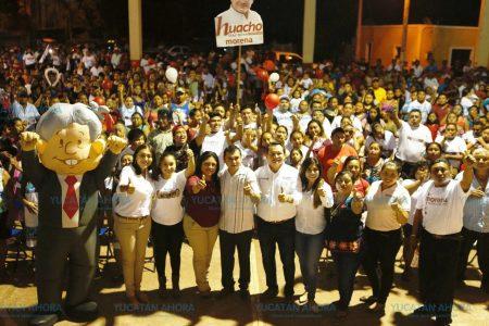 Huacho Díaz ofrece atención médica digna en todo Yucatán