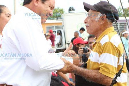 Los servicios de salud, obligación del gobierno, no dádiva: Huacho Díaz