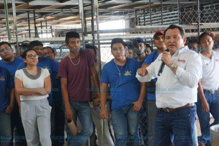 Mi triunfo será de todos los yucatecos: Huacho Díaz