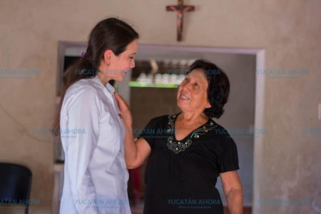 Mis grandes compromisos serán con las mujeres, ofrece Mariana Cruz