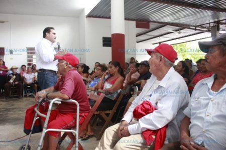 Jesús Vidal se reúne con jubilados y pensionados de Tizimín y Valladolid