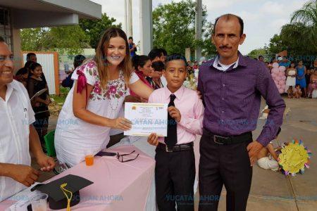 Me consta que el trabajo de Mauricio Vila dejó huella en el sector escolar: Cecilia Patrón